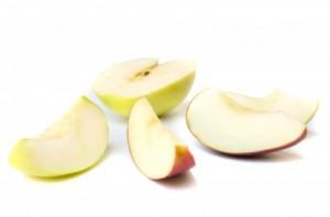 apel bisa sebagai cemilan bayi untuk melatih mengunyah dan membentu pertumbuhan giginya